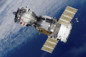 Soyuz in Orbit - Wikimedia Commons